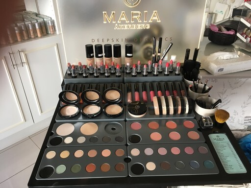 Vi har nu Maria Åkerbergs make-up sortiment.